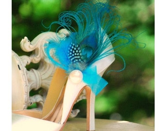 Something Blue Shoe Clips Turquoise Peacock Feather Ivory Pearl. Wedding Bride Bridal Bridesmaid Couture. Statement Edgy Stunning Sexy Party