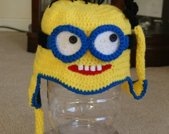 Hand Crochet Minion Googles and Hat Set / Despicable Me Minion Earflap Hat, Beanie, with two Changeable Goggles / Made to order 3 piece set