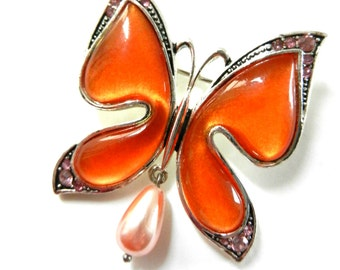 Butterfly pearl drop dangling 1960 brooch - enamel and crystals --feminine brooch with great light --Art.246/3-