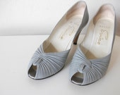Dove Gray Leather 80's Pumps, 6.5