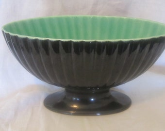 ROYAL HAEGER pedestal Planter  Black & light Green