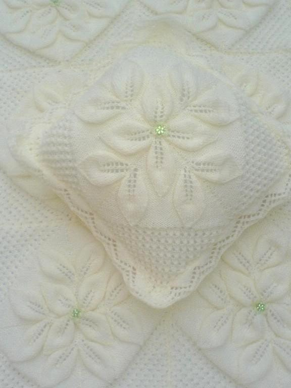 Knitting Pattern For Leaf Design Baby Blanket : BABY KNITTING PATTERN Crib//Pram//Cover Blanket Afghan