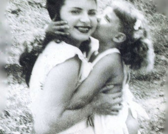 Inspirational Photo Card  - 1940's Mother and Daughter Hugging on a Picnic - Happy Birthday Message