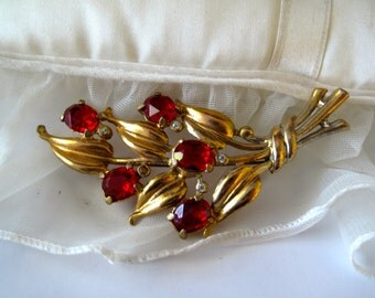 Red Rhinestone Spray Gold tone Brooch Estate Jewelry Mid Century 1960