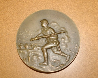 Collectable 1919  Medallion, French, Bronze, by M. Lordonnois, WW1, American doughboy, Battlefield