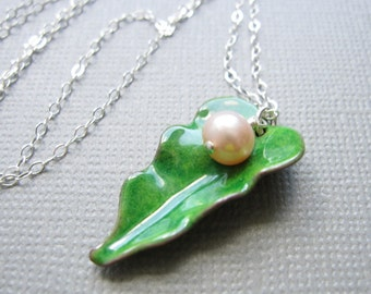 Green Enamel Leaf Necklace Pink Pearl