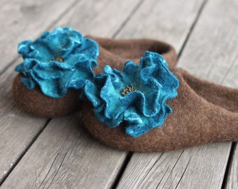 Women felted slippers brown home shoes embrodered slippers woolen clogs with turquoise flower Christmas gift - handmade to order