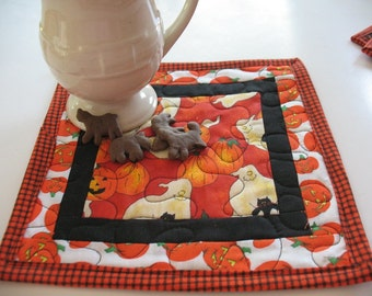 Quilted Ghost and Pumpkin Halloween Mug Rugs