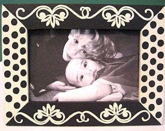 Hand Painted 4x6 Picture Frame , black and cream , home decor , family photo frame , wedding photo frame , wedding and bridal favors