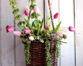 Spring Tulip Wall Pouch - Hanging Basket - Easter Wreath - Spring Wreath - Nest Eggs