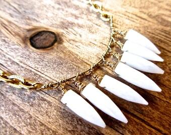 White Agate Arrowhead Gemstone Choker