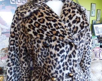 Vintage leopard coat 1950s 1960s plush faux fur coat