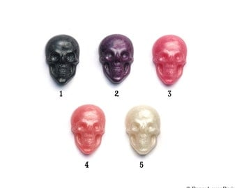 Parisian Pearl Collection Shimmer Glitz Diamond Set of 4 Skull Heads with blank eyes Rockabilly 5 Color Options Steampunk Kitsch FUN...20mm