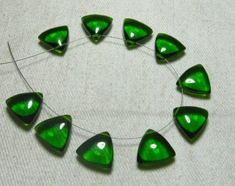 Brand New - 5 Matched Pairs -Emerald Green Quartz -Smooth Trillion Shape Briolettes amazing Gorgeous colour Huge Size 12x12 mm