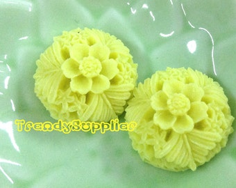NEW ITEM - 4 pcs 20mm Round Flower Cabochons, Electric Lime  (137)