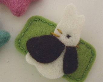 Felt hair clip -No slip -Wool felt -Bunny Rabbit -sage green