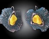 Leaf with amber tear earrings