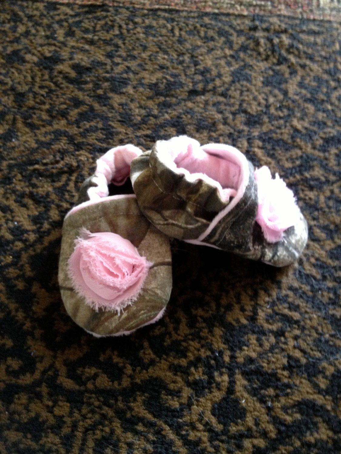 baby girl real tree or mossy oak and pink shoesbooties with