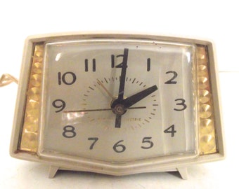 Vintage Working Mid-Century Modern General Electric Alarm Clock in Ivory Color