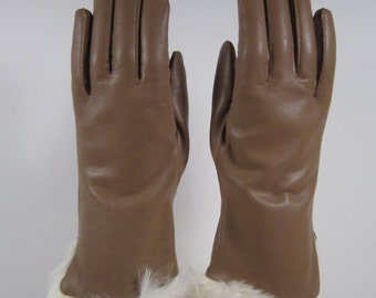 6-6-1/2 - Vintage Vinyl Brown Gloves w/fur trim - 10 inches long (514g)