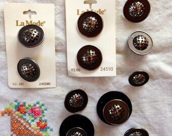 La Mode Gunmetal Silver Metal Basketweave Buttons - 2 Cards plus Uncarded Buttons