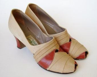 Vintage 30s 40s Two Tone Art Deco Linen & Brown Leather Peep Toe High Heel Shoes size 6.5