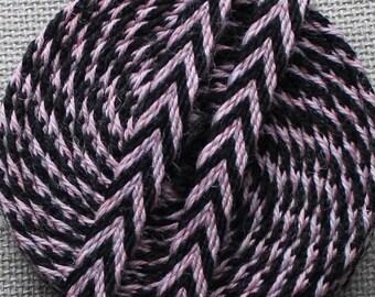 Tablet Weaving, Card Weaving, Medieval Style Trim, Wool Chevron Trim, Card Woven Trim, Woven Braid, Hand Woven Ribbon, Woven Wool Trim