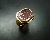 Magnificent Heavy 18k gold Carnelian Crest ring