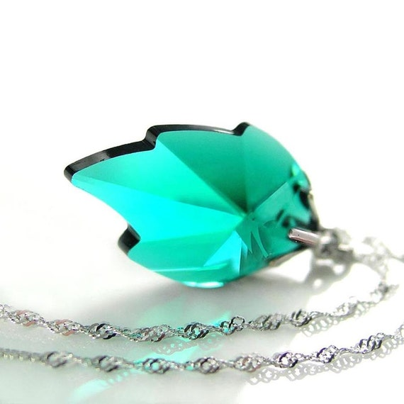 Emerald Green Leaf Necklace Sterling Silver Chain Necklace Swarovski Crystal Necklace Emerald Leaf Pendant Necklace May Birthstone Jewelry