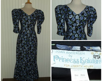 Weekend Sale 34% off 1960s to Early 1970s 3/4 Sleeve Floor Length Hawaiian Dress by Princess Kaiulani, for Liberty House, Size Small,  #4490