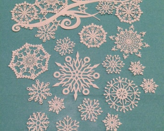 Edible Lace Snowflakes Swirl Complete set 15 snowflakes plus 1 Swirl cake lace
