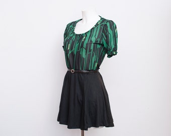 Green Blouse tshirt NOS vintage size S/M