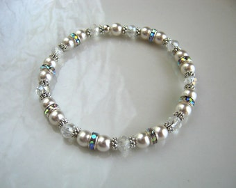 White Pearl Bracelet made with Swarovski Elements Crystal Pearls Rhinestone Pearl Stretch Bracelet Pearl Bridal Bracelet