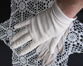 Gloves Vintage Light Brown Nylon Ladies Wrist Gloves