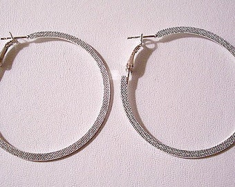 Pinpoint Hoops Pierced Post Stud Earrings Silver Tone Vintage Large Flat Wide Imprinted Band Round Dangles