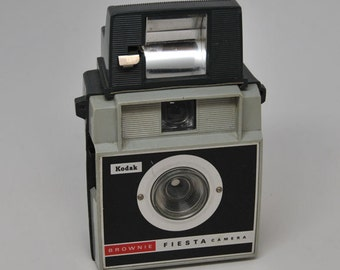 KODAK FIESTA with FLASH Camera, French Canadian model, Vintage Camera