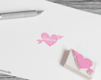 arrow heart stamp, heart with arrow stamp, love rubber stamp, heart shape stamp, heart & arrow stamp, love stamp, cupid stamp, hand carved