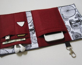 Nerd Herder gadget wallet in High Roller for iPhone 5, Android, iPhone 6, MP3, digital camera, smartphone, guitar picks