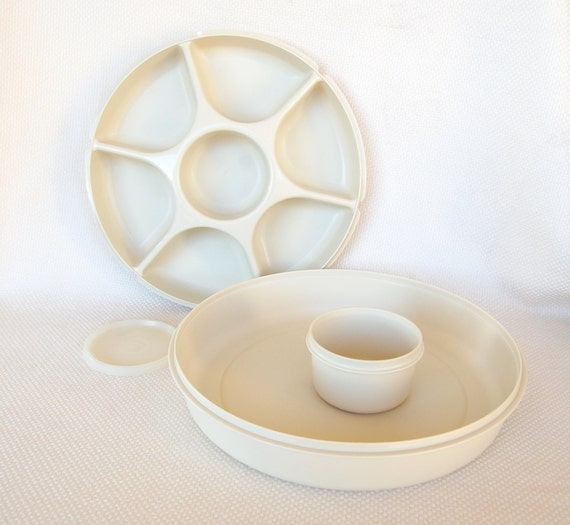Vintage Tupperware Serving Center COMPLETE with all pieces and inner dip bowl