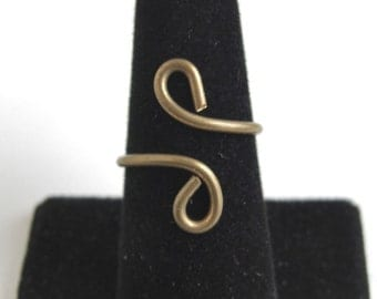 Vintage Brass Wire Bypass Ring - Adjustable Size