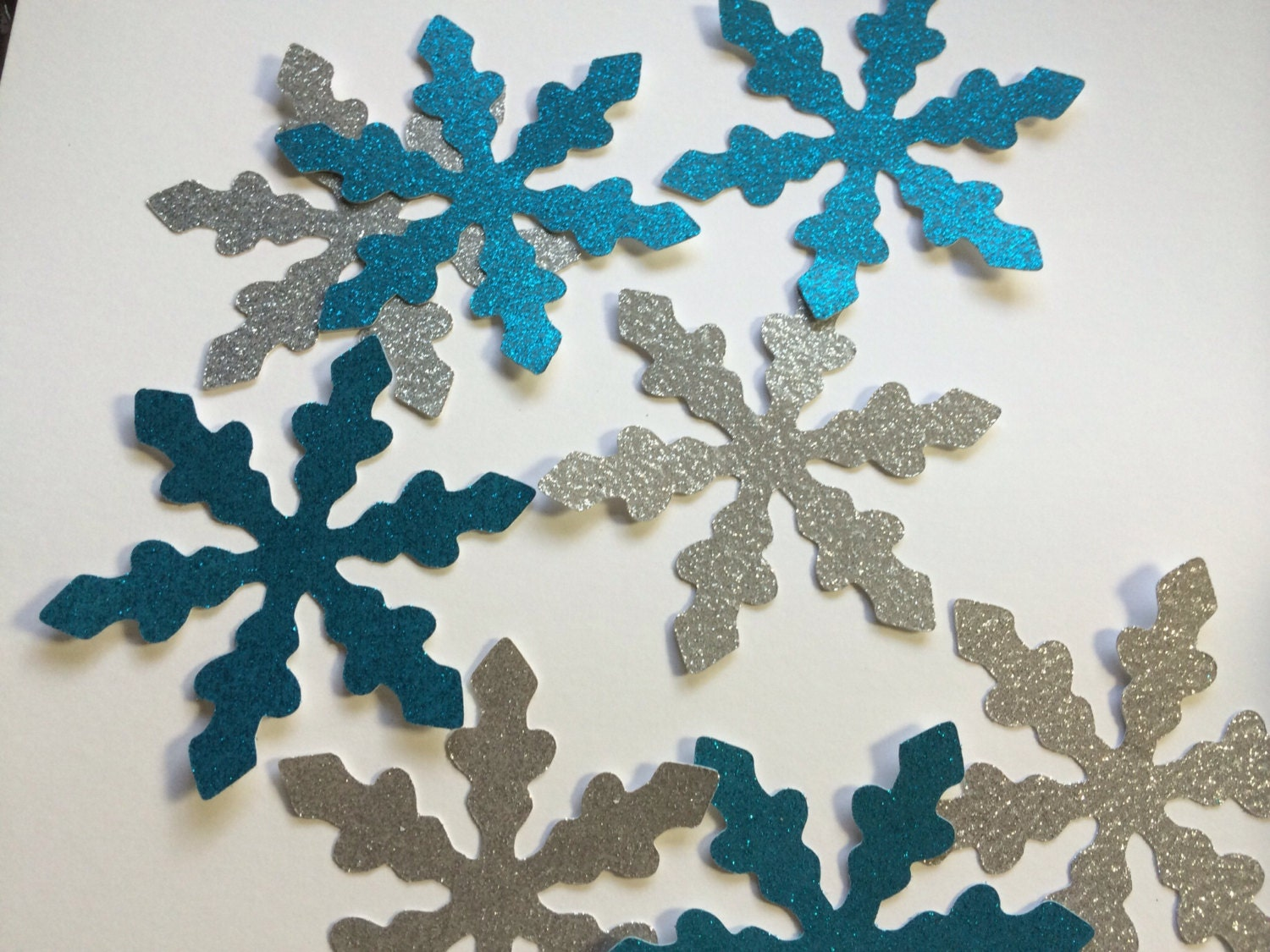 8 4 inch blue silver snowflakes large snowflake decoration for Big snowflakes decorations