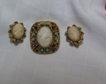 Florenza Victorian revival..carved shell cameo..turquoise beads..amber rhinestone gold filigree brooch and clip earrings