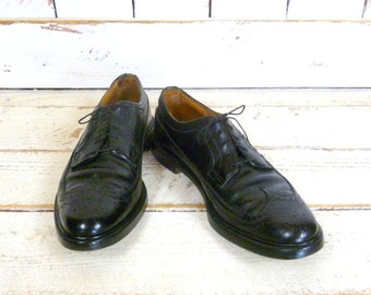 Vintage 70s mens black leather wing tip oxfords/black wing tips/Florsheim black leather shoes