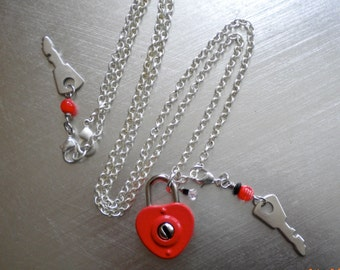 Lock and Key Necklace, Vintage Red Heart, Real Lock, Keys, Metal, Brushed Silver, Steam punk, Retro, Key to my Heart. Kitsch, Collectable.
