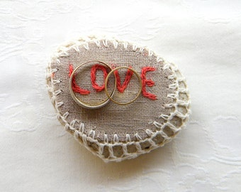 Natural Wedding Favors Inspirational Wedding Decor, Romantic Decor, Ring Bearer Pillow Alternative, Shabby chic Stone, Love,Stone