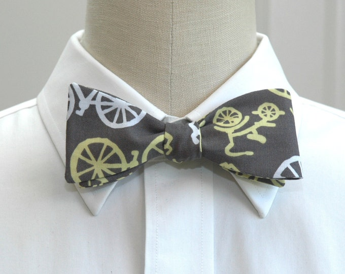 Men's Bow Tie in grey with yellow bicycles, self tie, bicycle lover bow tie, Brooklyn bow tie, steampunk bow tie, groom bow tie, hipster tie