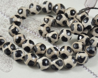 Newest Tibetan Dzi Faceted Football White Agate Black  Agate 10mm Gemstone beads Loose One strand