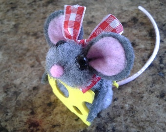 Mouse and Cheese Finger Puppet Plush Adorable Mouse Friend