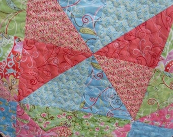 Spring triangles octagonal table topper