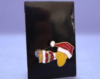 Aviva 1970's snoopy  woodstock Cloisonne Pin on cards
